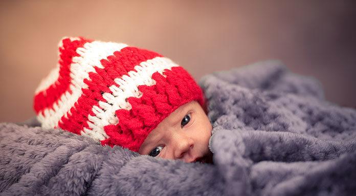 Bezpieczny sen dziecka – jak go zapewnić?