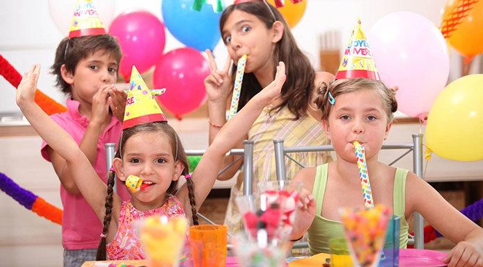 Sposób na zdrowe i dekoracyjne menu urodzinowe dla dzieci