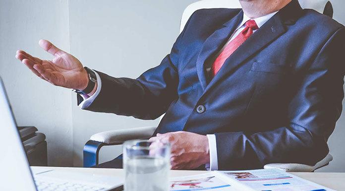 Różnice między zawodem radcy prawnego a adwokatem i doradcą prawnym